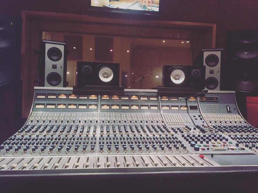 Neve Console_Jingle Town Studios